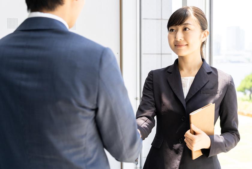 入社したときの挨拶は最初の印象に大きく影響します!