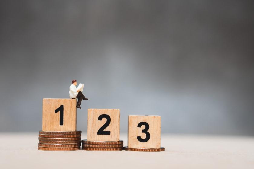 Swiftエンジニアの平均年収は562万円(2017)